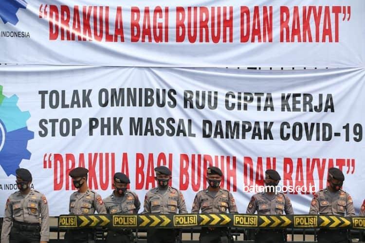 Tolak UU Cipta Kerja, Anggota DPRD Kota Batam Ini Siap ...