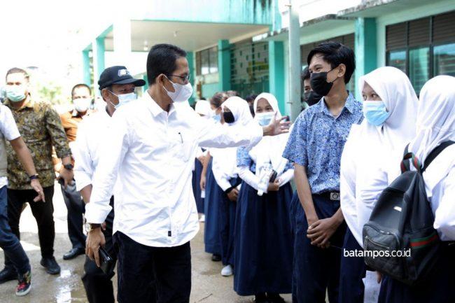Ribuan Pelajar di Batam Telah Divaksinasi Covid-19 ...